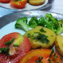 Cara Memasak Kentang dan Tomat Panggang Tanpa Oven